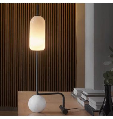Lámpara de sobremesa FUNN de la marca Aromas. 600*205mm.
