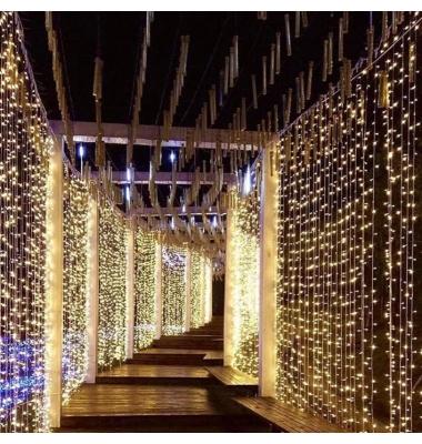 Cortina Luminosa 18W. 3 x 3 metros. Luz cálida. 300 LEDs