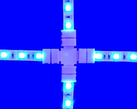 Conector 4 tiras LED